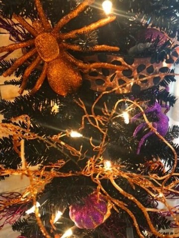 close up of a diy halloween tree from Missouri Girl Home