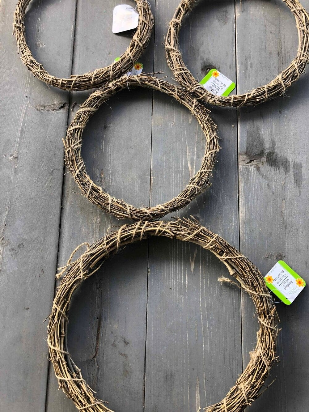 Missouri Girl DIY $6 Easter bunny wreath. Missouri Girl. Missouri Girl Blog
