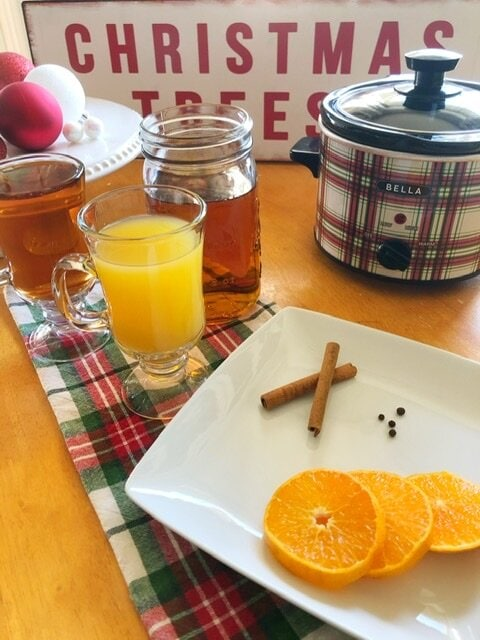 Missouri Girl Holiday Wassil. The perfect drink for any holiday celebration. Apple juice, pineapple juice, orange juice, and cranberry juice all blend together with fall spices to create a warm and cozy drink. Missouri Girl blog. wassil. Missouri girl