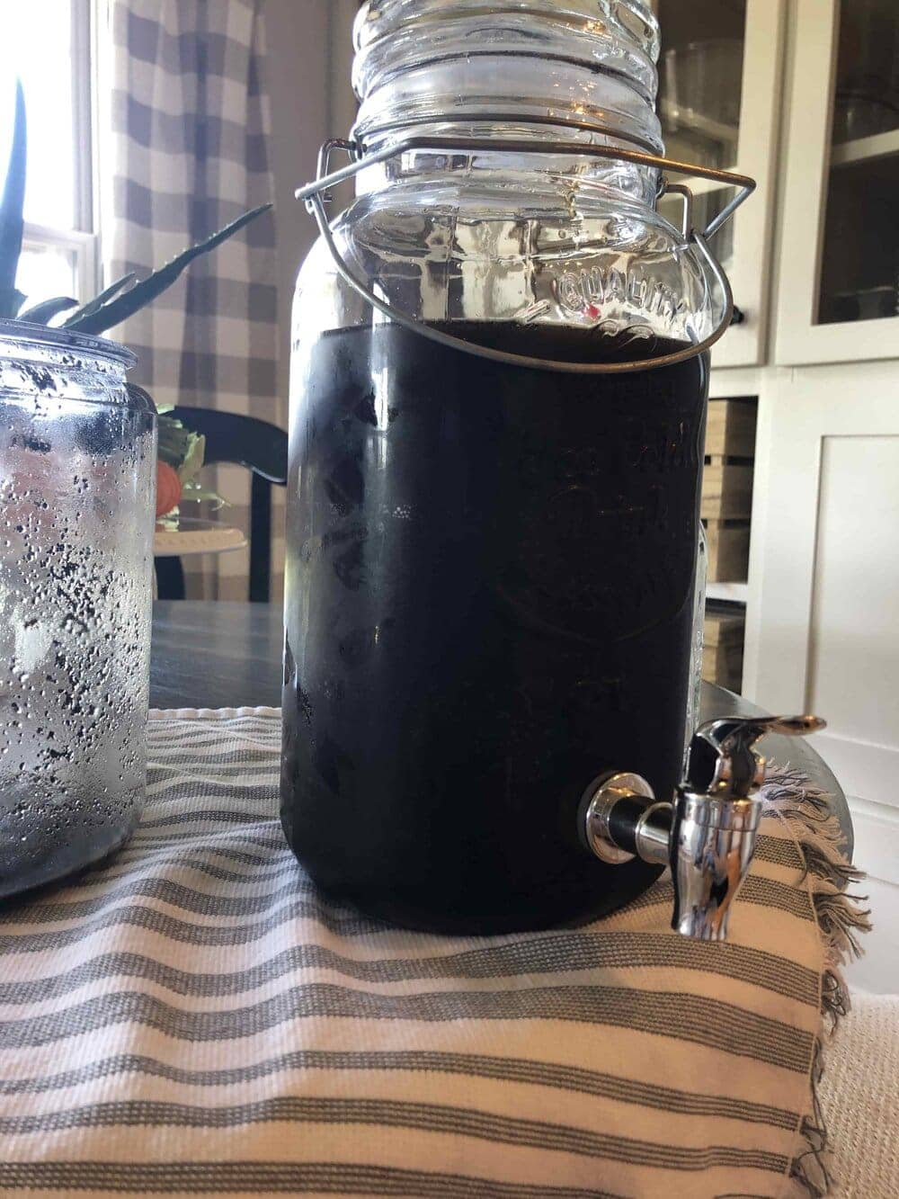 Missouri Girl Cold Brewed Coffee. See how cold brew coffee is made and the benefits cold brew coffee has over regular coffee. Missouri Girl Blog.