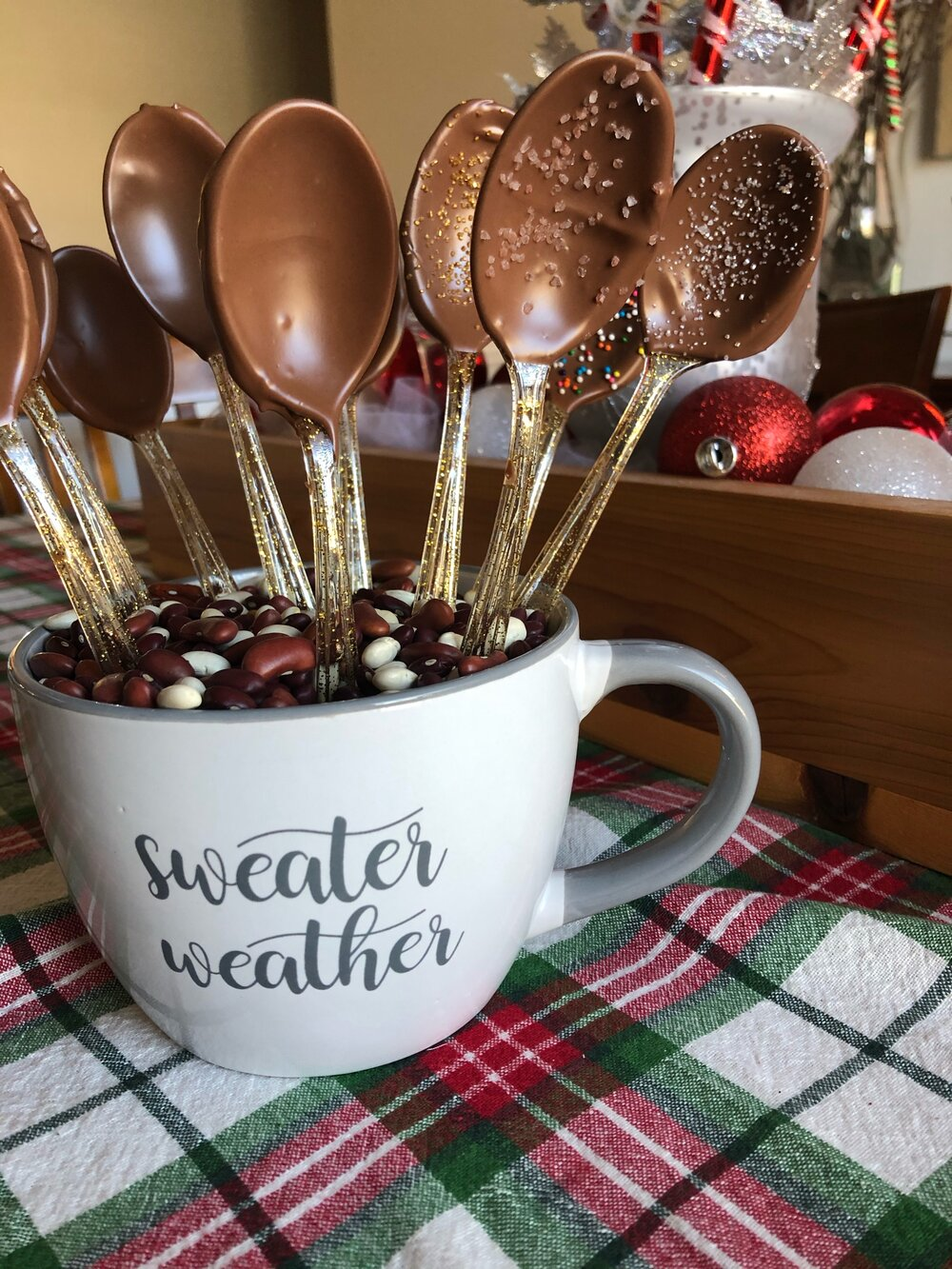 Homemade hot chocolate spoons from Missouri girl blog.