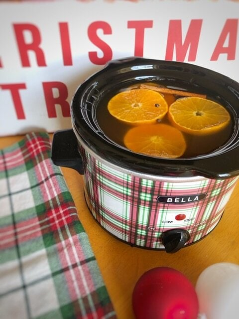 Wassail. Missouri girl. Missouri Girl Holiday Wassil. The perfect drink for any holiday celebration. Apple juice, pineapple juice, orange juice, and cranberry juice all blend together with fall spices to create a warm and cozy drink. Missouri Girl blog